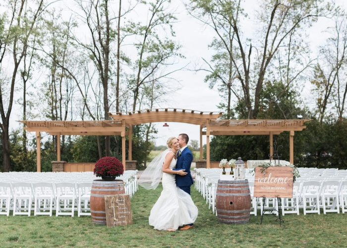 Minnesota Winery Wedding Venues - Crow River Winery