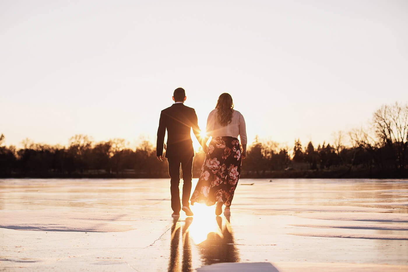 Engagement Photo Ideas On The Lake