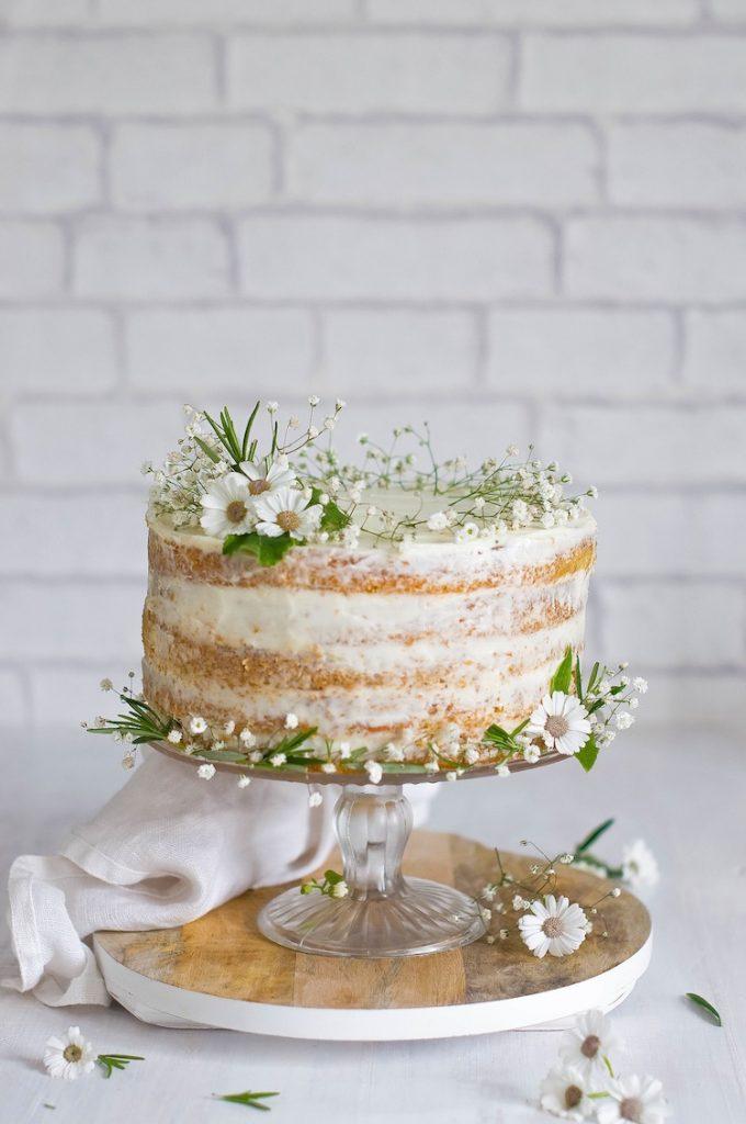 Naked Wedding Cake WIth Fresh Daisies