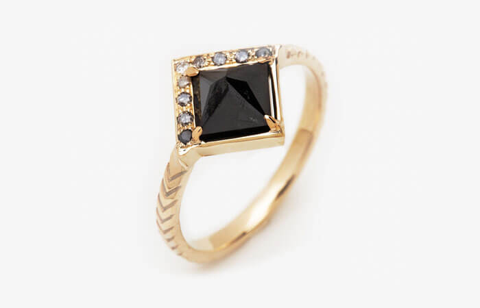 Black Diamond With Chevron Pattern Band