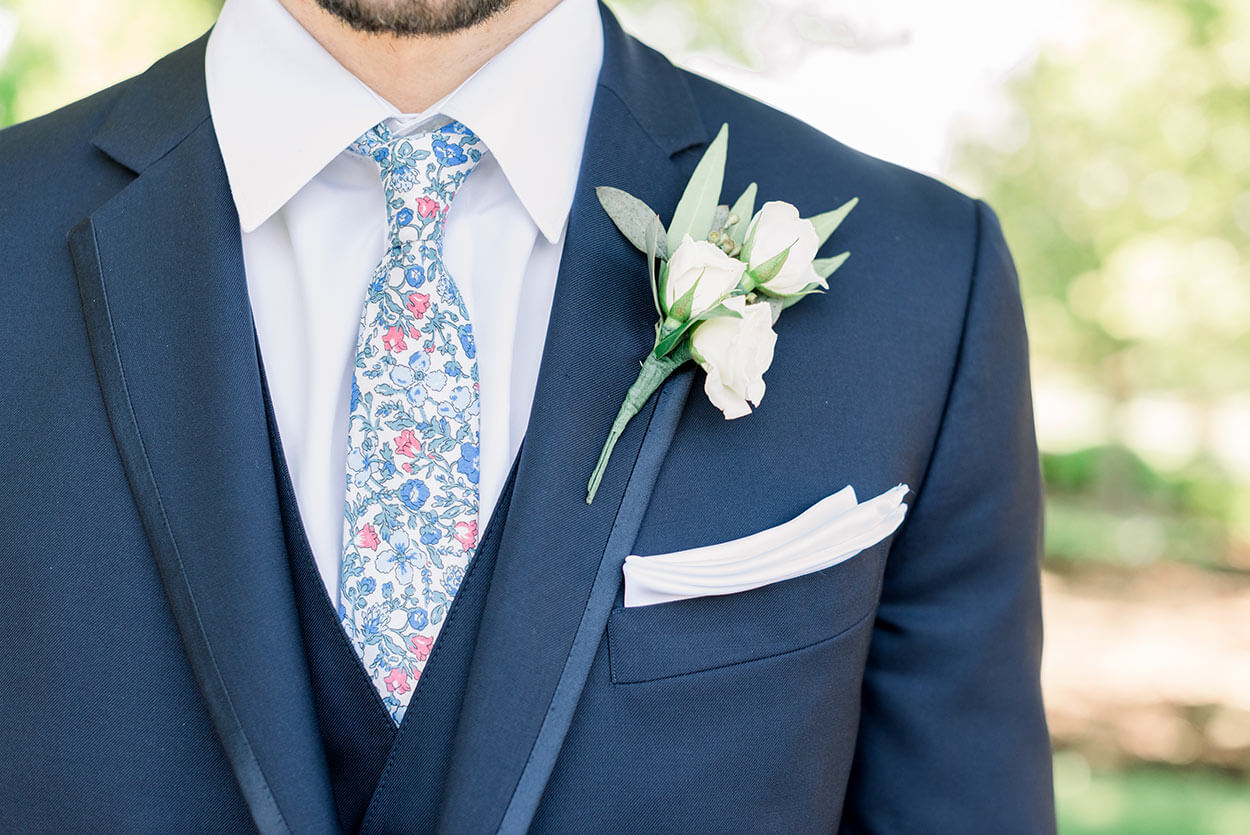 Summer wedding boutonniere