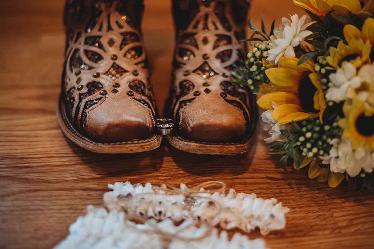 Cowboy Boots With Ring & Bouquet